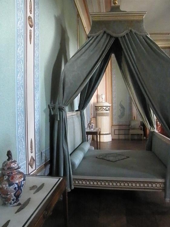 ウィーン北部古城に眠る 伊万里コレクションを訪ねて_d0334837_22224497.jpg