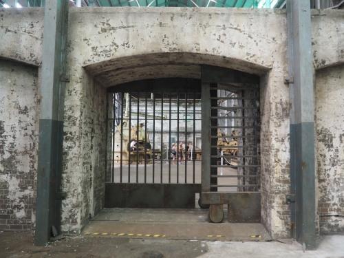 素敵な廃墟島。シドニーにある世界遺産、コカトゥー島_c0351060_21511715.jpg
