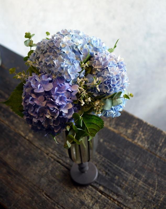 紫陽花のクラッチブーケ。結婚式の、和装での前撮り用。2017/08/07。_b0171193_19102472.jpg