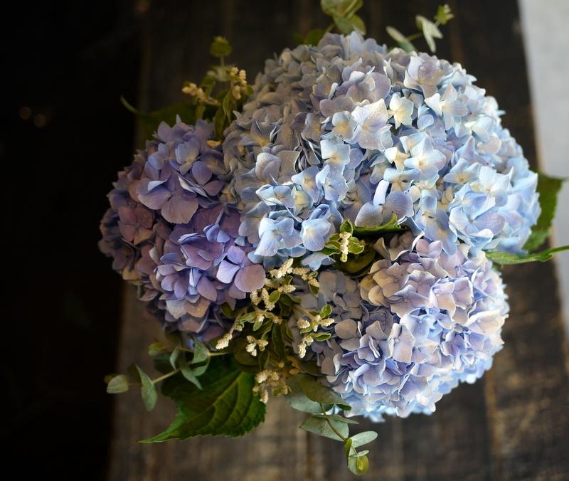 紫陽花のクラッチブーケ。結婚式の、和装での前撮り用。2017/08/07。_b0171193_19103172.jpg