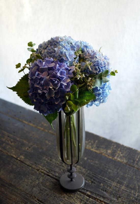 紫陽花のクラッチブーケ。結婚式の、和装での前撮り用。2017/08/07。_b0171193_19104497.jpg