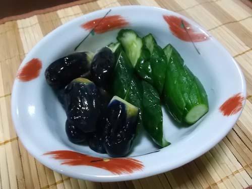 赤飯(炊飯器)&水なすときゅうりの漬物_f0019498_20040137.jpg