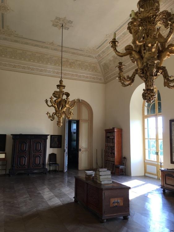 ウィーン北部古城に眠る 伊万里コレクションを訪ねて_d0334837_00402790.jpg
