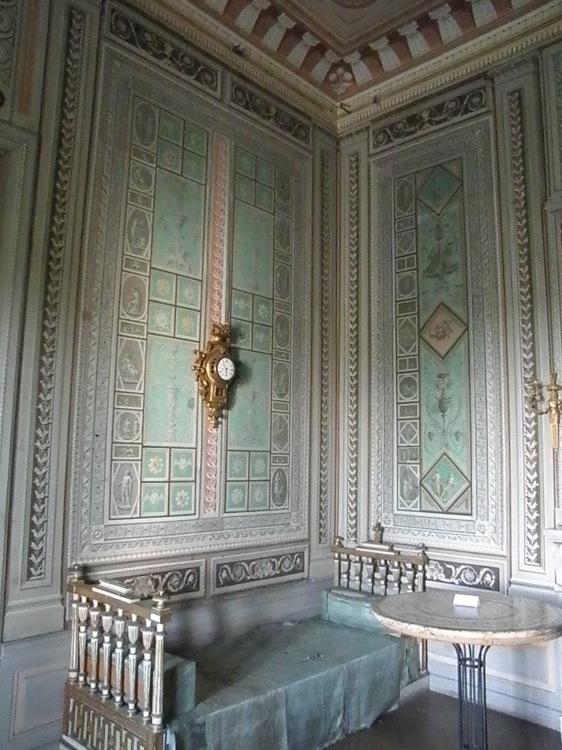 ウィーン北部古城に眠る 伊万里コレクションを訪ねて_d0334837_00414331.jpg