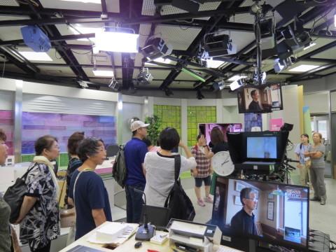 テレビの仕事や募金について学びました!_b0159251_13275779.jpg