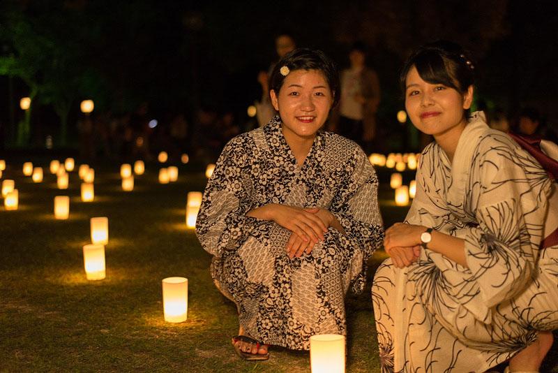 < 奈良の夏の風物詩、なら燈花会に今年も行ってきた >_c0183700_2234214.jpg