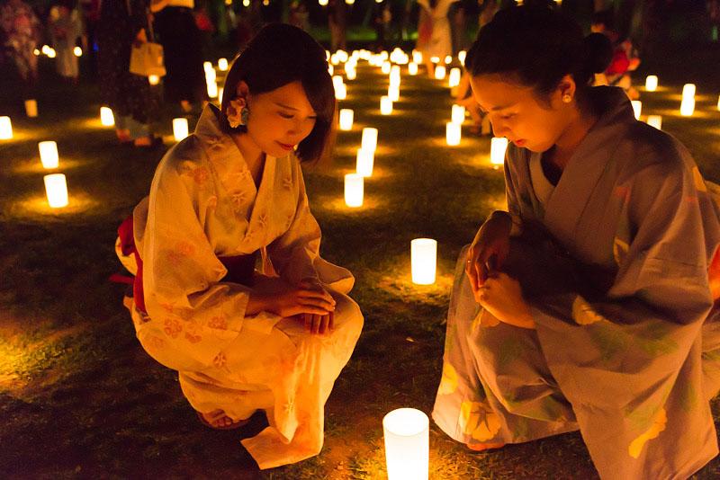 < 奈良の夏の風物詩、なら燈花会に今年も行ってきた >_c0183700_22372975.jpg
