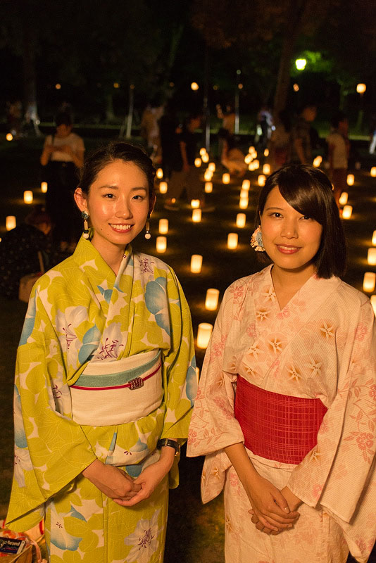 < 奈良の夏の風物詩、なら燈花会に今年も行ってきた >_c0183700_22373885.jpg