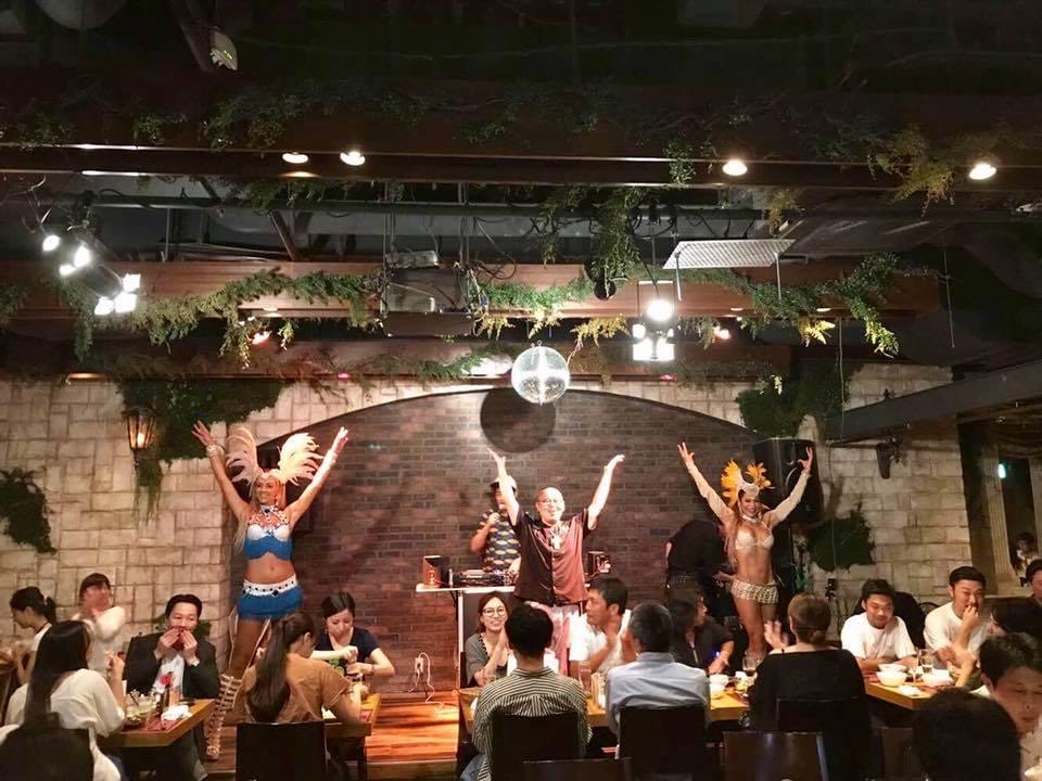 全員参加型!美味❤️ブラジルパーティー!【FRIDAY☆Carnaval】feat. SAMBA♬ 渋谷@tucanos_shibuya  _b0032617_20212029.jpg