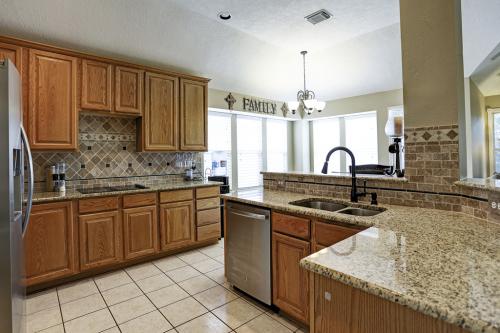 ノースウエストヒューストン方面のゲートコミュニティーの一軒家が売りに出ています_e0245771_05245106.jpg