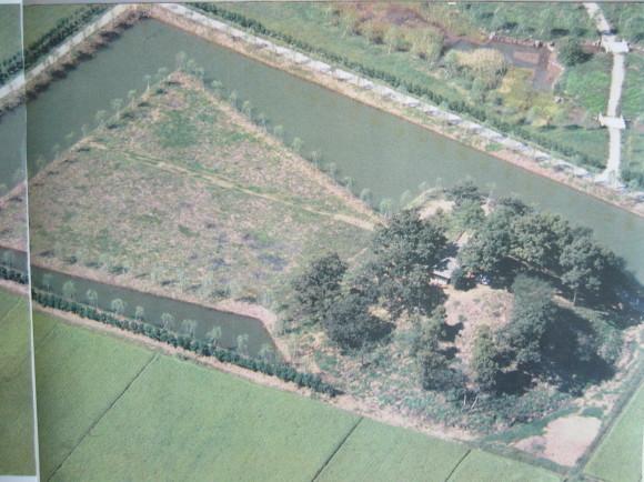 稲荷山古墳の築造は六世紀(1)_a0237545_17115456.jpg