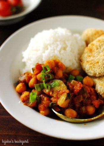 ひよこ豆とズッキーニのインド風カレー_b0253205_07005111.jpg