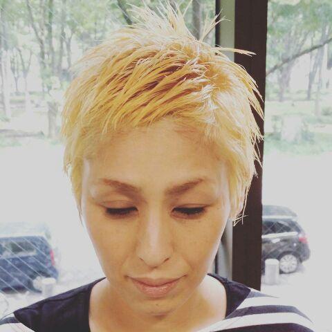 金髪ショート_a0272765_09503008.jpg