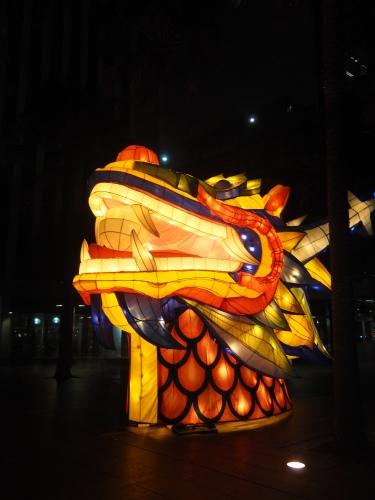 シドニーの名所が真っ赤に染まる、チャイニーズニューイヤー_c0351060_15083294.jpg