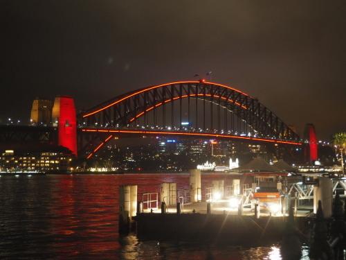 シドニーの名所が真っ赤に染まる、チャイニーズニューイヤー_c0351060_15291781.jpg