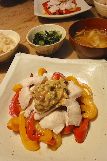 茹で鶏と焼きパプリカのねぎ味噌ソース_f0054859_13435106.jpg