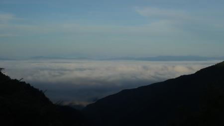 雲海の朝_e0120896_07215702.jpg