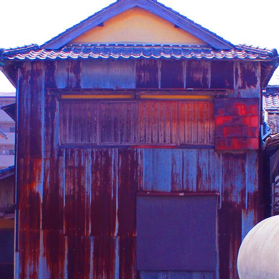 トタンに郷愁 by 昭和の町_a0329820_16501089.jpg