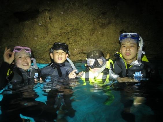 人気の青の洞窟シュノーケル☆_a0156273_17593939.jpg