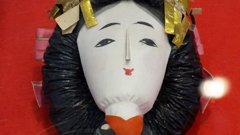 浮人形売って男の暮らしかな   小林 たか子_b0018682_23114988.jpg