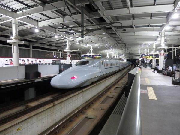 熊本駅はくまモンがお出迎え_f0337554_10062670.jpg