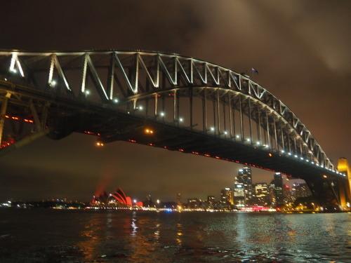 マーケット巡りに夜景!トラム、電車、バス、フェリーフル活用で楽しむシドニー_c0351060_20315601.jpg