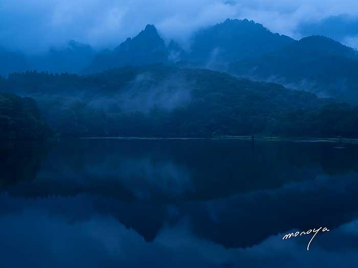 早朝の湖_c0085877_6232746.jpg