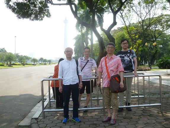 インドネシアの想い出その1・独立記念塔、モナスへ。_f0181251_1604499.jpg