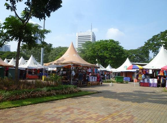 インドネシアの想い出その1・独立記念塔、モナスへ。_f0181251_1614256.jpg
