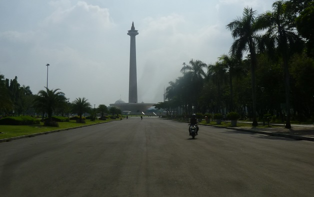 インドネシアの想い出その1・独立記念塔、モナスへ。_f0181251_1615026.jpg