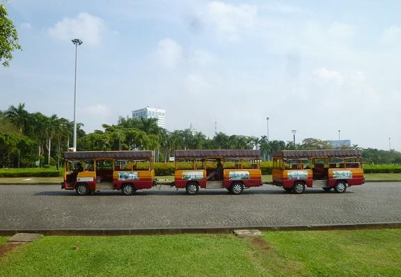 インドネシアの想い出その1・独立記念塔、モナスへ。_f0181251_16185663.jpg