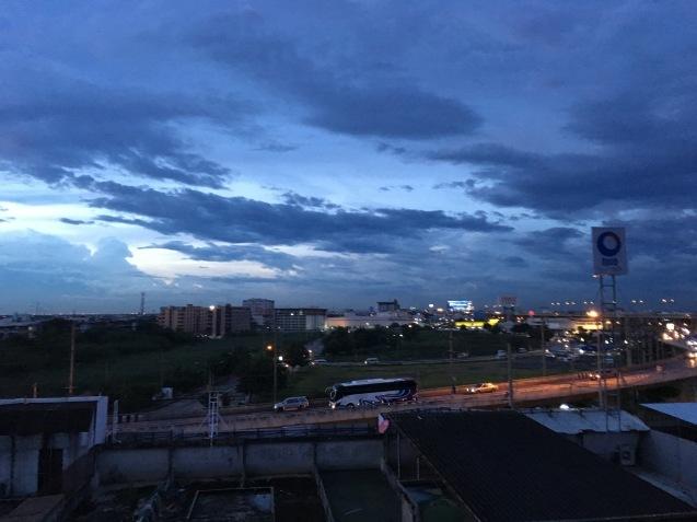 タイ人気質_b0100062_15230280.jpg
