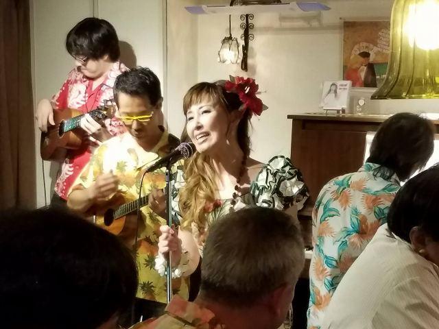 「LIVE ハワイアンナイト」にウクレレで参加_c0184265_17202342.jpg