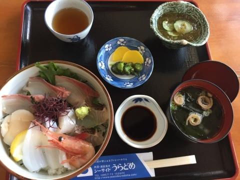 レストランシーサイドうらどめ ご当地海鮮丼_e0115904_00290830.jpg