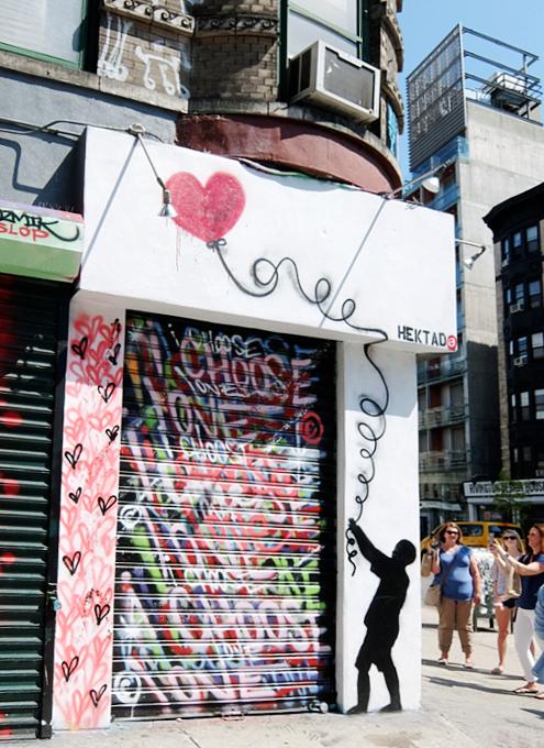 ハートいっぱいのNYの街角アート、「ラブ・ウォール」(Love Wall)が異例の増殖 by HEKTAD_b0007805_6182970.jpg
