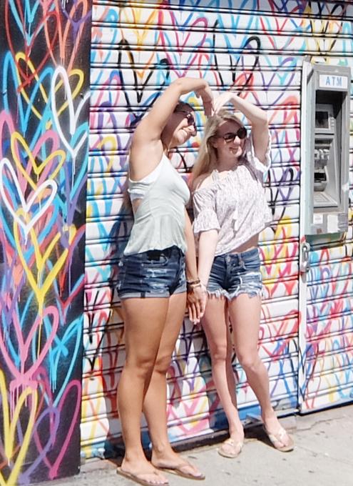ハートいっぱいのNYの街角アート、「ラブ・ウォール」(Love Wall)が異例の増殖 by HEKTAD_b0007805_6551684.jpg