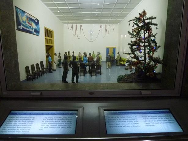 インドネシアその2・歴史博物館・国立博物館・骨董通りへ。_f0181251_15555270.jpg