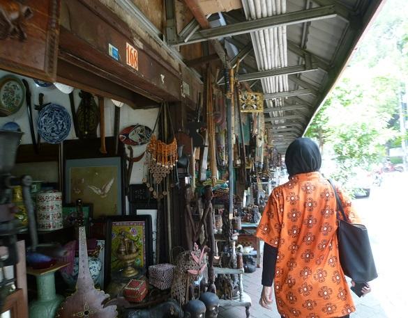 インドネシアその2・歴史博物館・国立博物館・骨董通りへ。_f0181251_169247.jpg