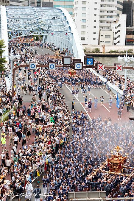 東京の風景 富岡八幡宮例大祭 ビルの屋上から_b0133053_00530820.jpg