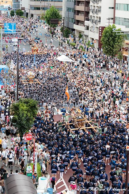 東京の風景 富岡八幡宮例大祭 ビルの屋上から_b0133053_00531133.jpg
