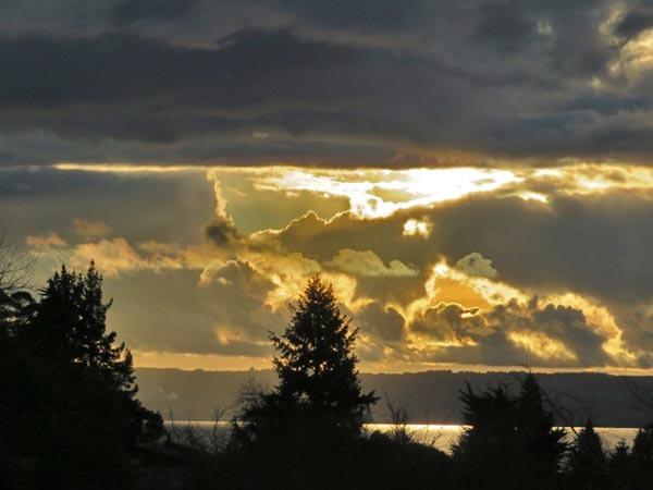 夕日と雲_e0133780_17240833.jpg