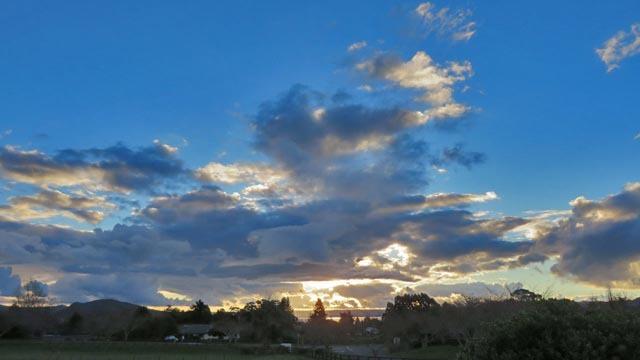 夕日と雲_e0133780_17245570.jpg