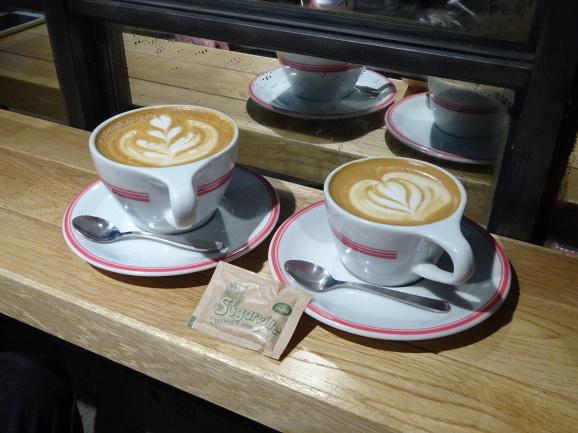 ゴリラコーヒー@池袋でラテ_e0230011_17351917.jpg