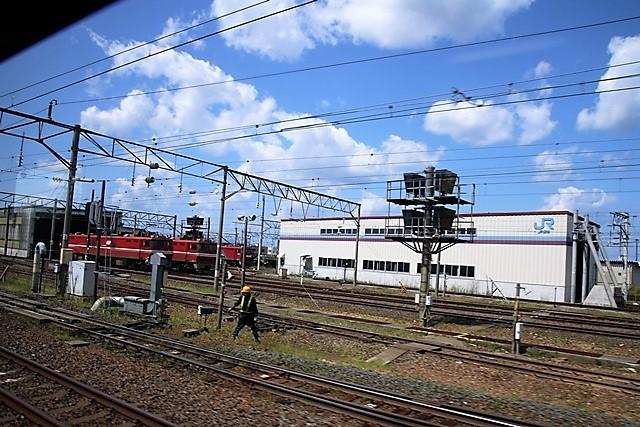 藤田八束の鉄道写真@青い森鉄道の鉄道写真、りんごの笑顔が見える岩木山、貨物列車「金太郎」と青い森鉄道_d0181492_21490177.jpg