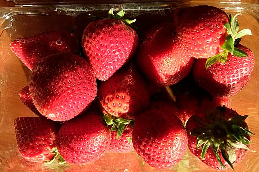 アメリカで一番売れてるイチゴのブランドは?_b0007805_2043034.jpg