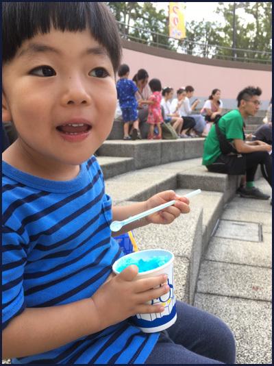 夏祭りを楽しむ孫_b0019313_17234843.jpg