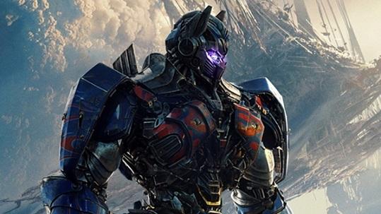 トランスフォーマー 最後の騎士王 (マイケル・ベイ監督 / 原題 : Transformers : The Last Knight)_e0345320_22220871.jpg