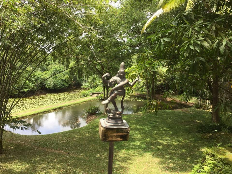 スリランカの旅~ジェフリー・バワ邸「ルヌガンガ (Lunuganga) 」を探訪💓_a0138976_14271014.jpg