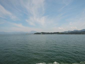 琵琶湖の竹生島にいきました。_c0195909_11441983.jpg