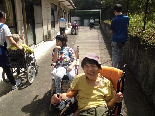 8/25 散歩・音楽活動_a0154110_08264790.jpg